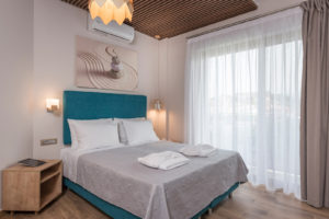 Luxury Double Room with Partial Sea View